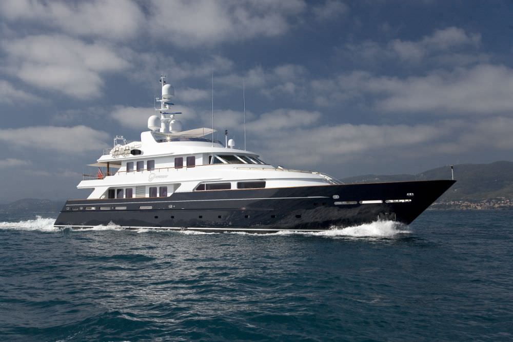Luxury super-yacht HELOVAL – PARAMOUR – 43,00m 141′ 1″