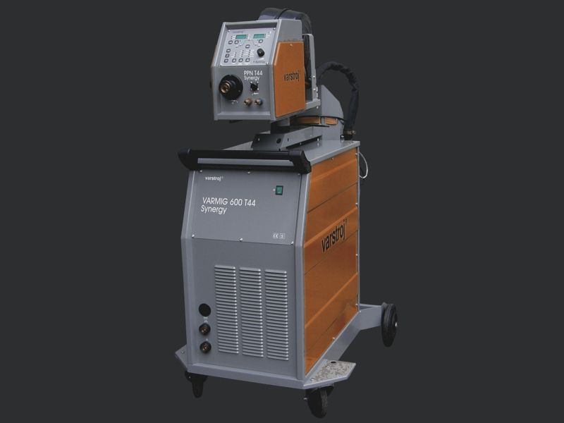 VARMIG 600 T44 Synergy MIG welder / MAG / three-phase / mobile 60 – 600 A