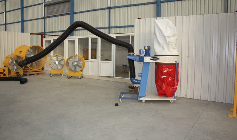 Bag dust collector / reverse air cleaning / mobile ø 150 mm
